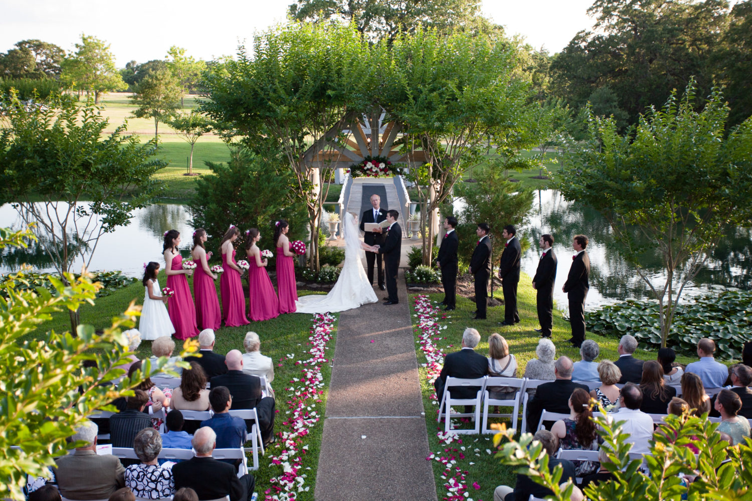 Outdoor Weddings {Brazos Valley Wedding Planning}